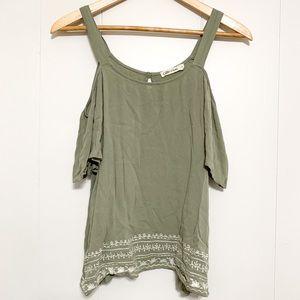 Chloe & Katie green short-sleeved blouse